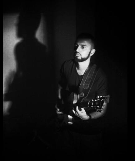 Guitar_BlackandWhite_Shadpw